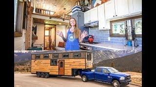 Video Family of 4 & Their STUNNING 5th Wheel Tiny Home ~ Totally Custom Build MP3, 3GP, MP4, WEBM, AVI, FLV Juli 2019