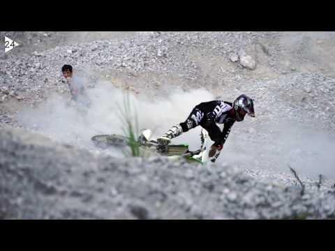 Kawasaki KLX450r hill climbing @White Rocly Mountain by Hoang Long