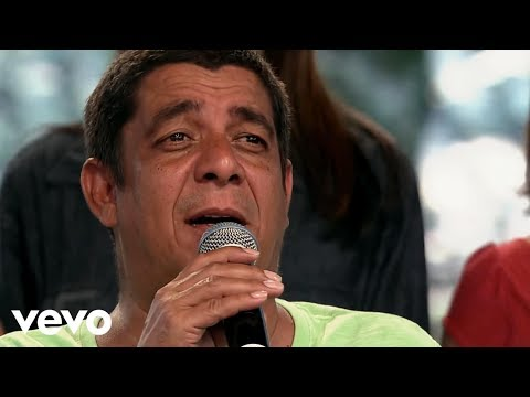 outdoor - Music video by Zeca Pagodinho performing Em Um Outdoor. (C) 2012 Universal Music Ltda.