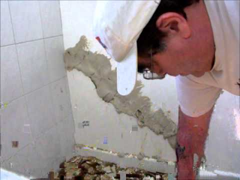 plaster repair - how to repair a crack in a solid plaster wall By Neil Coker @ www.hprs.net Hawthorn Plaster Repairs.