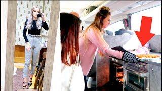 Video COOKING CHICKEN GOUJONS ON THE COACH?! 😂 YOUTUBE PARTY | VLOGMAS 7 sophdoesvlogs MP3, 3GP, MP4, WEBM, AVI, FLV Juli 2018