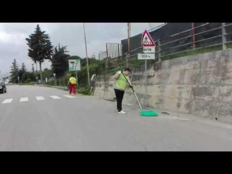 Teramo, cittadini al lavoro a Piano d'Accio FOTO - VIDEO
