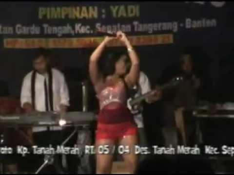 Video Dangdut Hot Yuli Bohay - Abang roni download in MP3, 3GP, MP4, WEBM, AVI, FLV January 2017