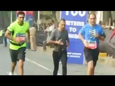 Video Mumbai Marathon: Residents run for charity. Dia Mirza, Anil Ambani among participants download in MP3, 3GP, MP4, WEBM, AVI, FLV January 2017