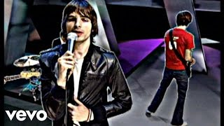 Music video by Phantom Planet performing Lonely Day. (C) 2002 SONY BMG MUSIC ENTERTAINMENT