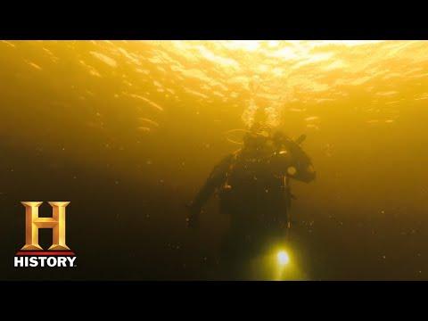 SHOCKING LOCH NESS ENCOUNTER | In Search Of (Season 2) | History