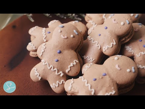GINGERBREAD MAN MACARONS  with CHOCOLATE CINNAMON BUTTERCREAM - Sumopocky