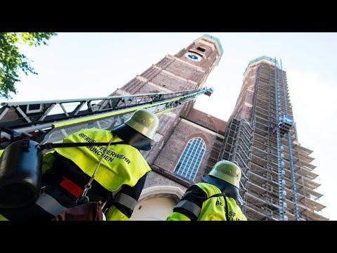 Feuerschutz: Ernstfall-Probe in der Münchner Frauenki ...