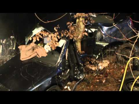 Vier junge Leute bei Unfall schwer verletzt