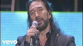 Marco Antonio Solis videoklipp Si No Te Hubieras Ido (En Vivo)