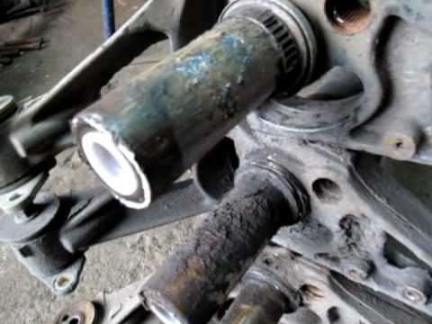 Wymiana czopów tylnej belki w Peugeot Citroen