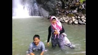 "Curug Bidadari Sentul Paradise Park  04 Oktober 2014jalan -jalan menjelang idul adha ke wisata air terjun Bidadari sentul paradise Park atau yang lebih di kenal dengan curug bidadari.Alamat  Curug Bidadari :Sentul Paradise Park, Desa BojongkonengKecamatan Babakan Madang, Kabupaten BogorTelp 021-87960742GPS: -6.6142692, 106.9087824http://youtu.be/JgTGXwQ8ES8====================================Some Review Taken From TripAdvisor.com :""Terrible road,traffic jam,dirty,the entry ticket was Rp 40.000/person.The waterfall was okay but it was badly maintained,the water was murky greenish.During holiday all the prices were doubled,it was hot,noisy,dirty.The road was too steep,at the incline you probably will wreck your car along the way,most of all,nobody (the park employee ) will help you out.Avoid if possible this place for good.""""Very not recommended. The access road is most likely a hell than what we called it a heaven. To people who has small car or under 1500 cc car, should think twice to go there. The facility is very poor, the pool is slipery and only made by cement' not covered by tile. The waterfall itself is good but the way they design the place is very2 bad. So we can' see the natural beauty of waterfall. My opinion, the owner didn't want to spend and invest much money, so the made it in ver very below standart. However, the cover charge is quite expensive for this kind of facilities. The food was horible, the restaurant is worst than warteg and expensive. The funny things is we sat on the place like gazebo or we called it saung, but we need to pay for saung rental. So think thousand times to go here. If you want to play in the pool, you better go to other place although you need more money. """"Jujur saja.. Untuk air terjunnya sendiri not bad lah.. Hanya jalan dan fasilitas yg tersedia sangat tidak sepadan dengan harga tiket masuknya yg tiba2 menjadi 40rb dari yg seharusnya 30rb untuk hari besar.Jalanan menuju kesana sangat lancar namun kecil, hanya menjelang gerb"