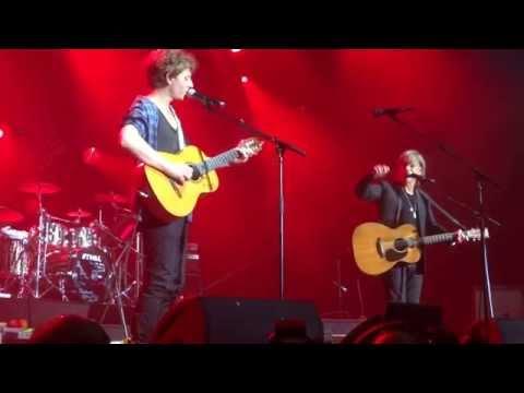 Jean-Louis Aubert  & Raphael «  Sur la route »  - Concert Colmar 14 Aout 2014 (видео)