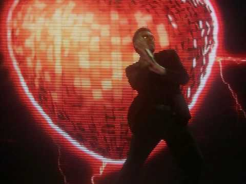 Tekst piosenki George Michael - Waltz away dreaming po polsku