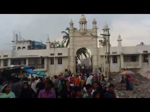 Monsoon Walk at Haji Ali Dargah