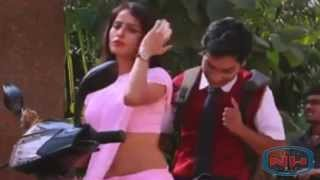 XxX Hot Indian SeX Teachers Hip Touched By A Student .3gp mp4 Tamil Video