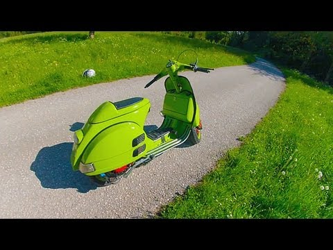 vespa tuning - Meine 125er Vespa! Kleine Fahrt bevor der große Umbau auf Quattrini kommt! Fahrer: Stefan Kamera/Schnitt: Stefan Musik: The Glitch Mob - We Can Make The Worl...