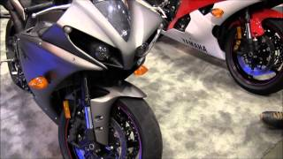 10. 2013 Yamaha YZF R1 Matte Black Grey Walk Around SportBike Canon Vixia Hf M40 Video Test