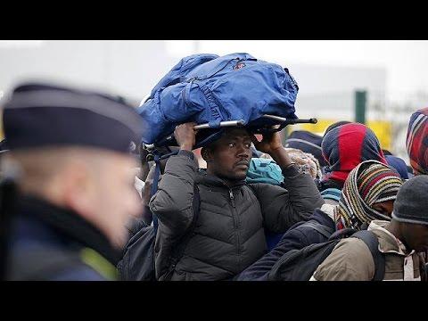 Γαλλία: Ειρηνικά εξελίσσεται η επιχείρηση εκκένωσης της «ζούγκλας» του Καλαί