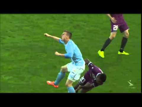 VIDEO: Oud-Utrecht-speler onbestraft neergehoekt