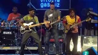 Stanley Clark, Marcus Miller & Victor Wooten - Beat It
