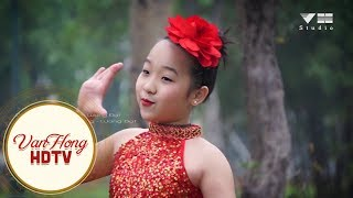 Mùa xuân ơi:Trình bầy Hoàng Nhi - Đạo diễn: Văn Hồng - Lương Đạt: Quay Phim: Anh Tuấn