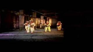 video y letra de Entre cobijas por Grupo Exterminador