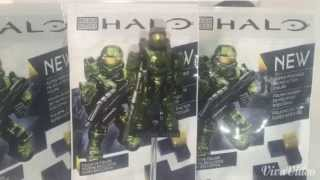 Halo Mega Bloks Review! Viewer asked questions might be: Q: Where did you get this? A: I get my stuff from Amazon, eBay, Walmart, Target, and Toys R Us. Now ...