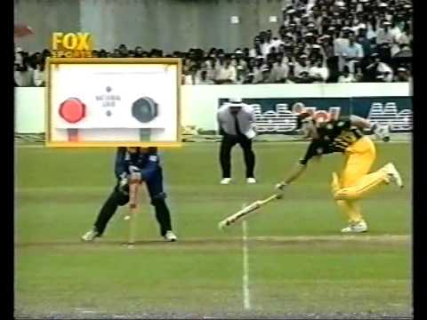 MOST INSANE UMPIRE DECISION OF ALL TIME SRI LANKAN UMPIRE