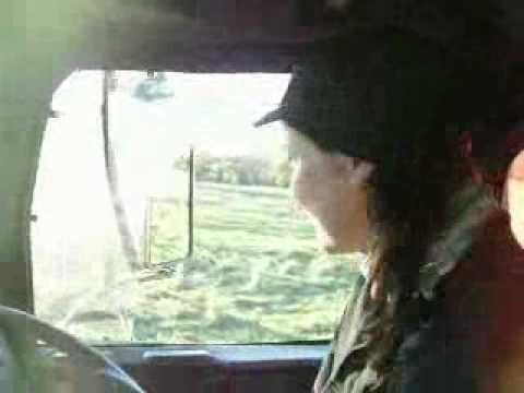 Turtle Lover Sandra Muller Truck driving in Australia.wmv