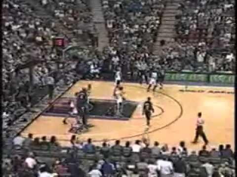 NBA: Riktigt imponerande pass bakom ryggen