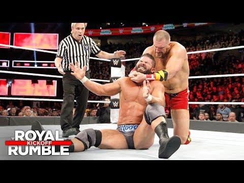 Mojo Rawley drives U.S. Champion Bobby Roode into the ringside barrier: Royal Rumble 2018 Kickoff