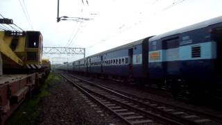Vasind India  City pictures : Indian Railways..The weekly 12153 LTT-Habibganj express at Vasind outer