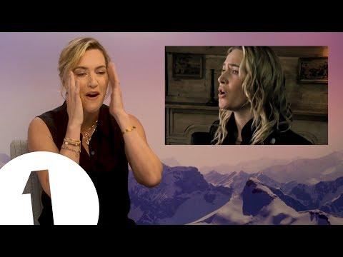 """""""أغلقها من فضلك""""..كيت وينسلت تنزعج من عرض أغنيتها"""