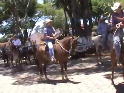 Delfinópolis a cavalgada