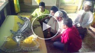 Video Gempar !! Bayi Perempuan Tiba-tiba Berubah Menjadi SeEkor Buaya !! Subhanallah.. MP3, 3GP, MP4, WEBM, AVI, FLV Oktober 2018
