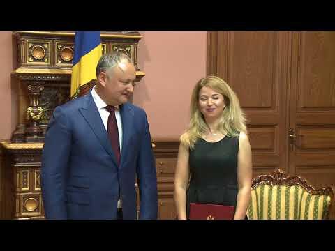 """Formația Teatrului Muzical-Coregrafic """"Bravissimo Dance Group"""" a primit Diploma de Onoare a Președintelui Republicii Moldova"""
