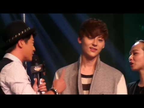 131113 Nu'est-M Game of Musical chairs - Gee by:羊儿星 (видео)