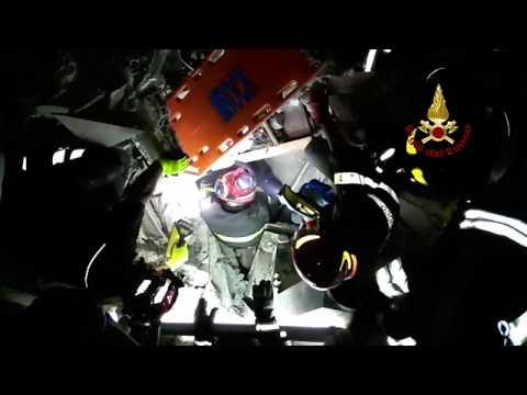 Ischia, tremblement de terre: deux adultes et un bébé extraits vives des décombres