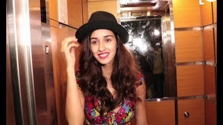 Disha Patani Wears Tiger Shroff Munna Michael Cap At Salon LaunchFor More Bollywood Updates  SUBSCRIBE To Bollywood Junkie.https://www.youtube.com/user/BollywoodJunkiie