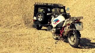 7. Land Rover Freelander 90 Duel  BMW R 1200 GS Rallye
