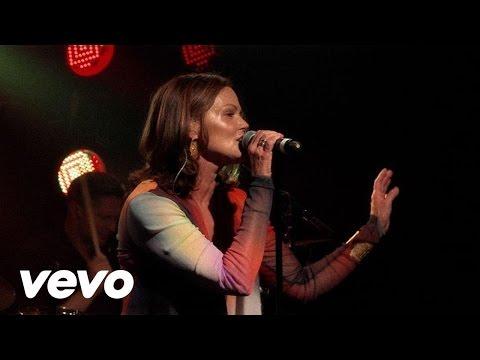 Tekst piosenki Belinda Carlisle - The Sun po polsku