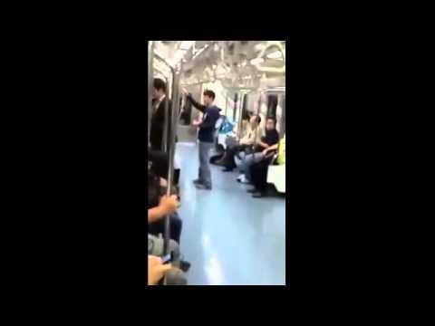 電車喝水兩女子互打!