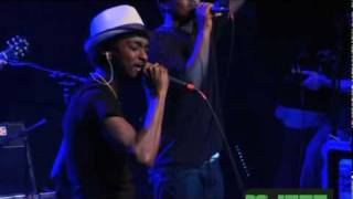 K'naan - Wavin Flag (live in nyc)
