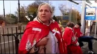 Święta inkwizycja na przystanku w Polsce. To jest niesamowite…