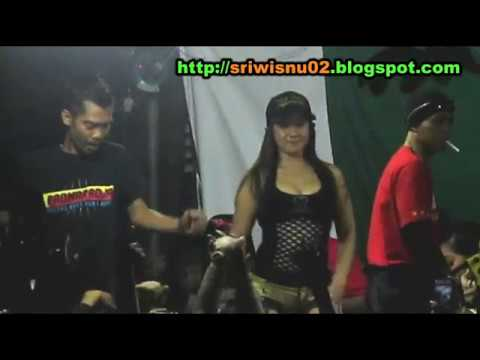 Video GALA GALA - Dangdut Koplo Hot Syur Erotis Saweran - UUT SELLY Terbaru [HD] download in MP3, 3GP, MP4, WEBM, AVI, FLV January 2017