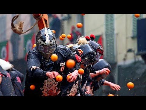 Ιταλία: Καρναβάλι σημαίνει «πορτοκαλοπόλεμος»