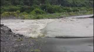 La rivière a emporté la route