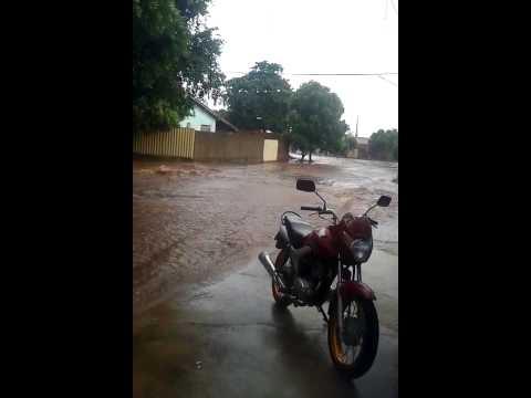 Chuva em Paranaíba alaga Residências