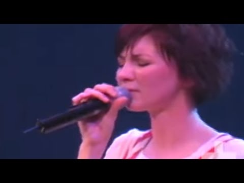 Kim Walker & Jesus Culture – How He Loves Us –